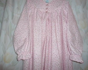 Size 8 Girls  polk a dots on pink
