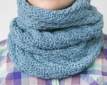Women's Hand Knit Snood / Cotton Scarf / Blue Scarf