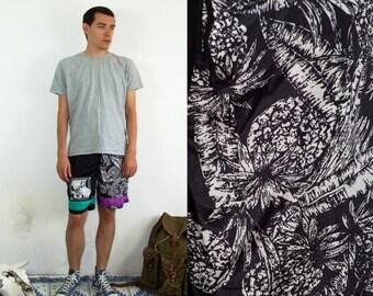 80's vintage men's black ananas printed shorts