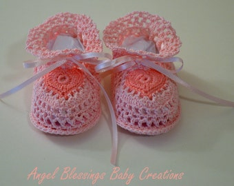 Pink Crocheted Booties for Baby Girls, Sweetheart Crib Shoes, Newborn Take Me Home Shoes, Preemie to 9 months, Special Occassion Shoes