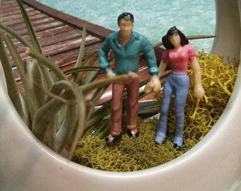 happy  people couple  perfect for miniature terrarium or diorama