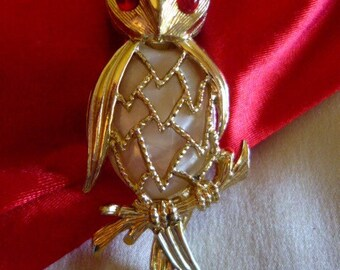 Give a HOOT!  Owl Brooch/Pin, Gold Tones, White Jelly Belly, Red Eyes, Whimsical and Oh So 70s!