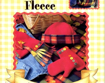 Fun With Fleece Gooseberry Patch Leisure Arts 15 Projects Fabric Crafts NEW