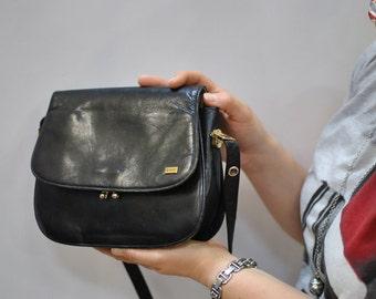 Vintage MANO messenger leather bag ...(040)