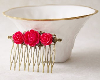 Rose Red Hair Clip / Red Roses Hair Piece  / Scarlet Flower Hair Clip / Wedding Hair Comb / Woodland Fascinator / Wedding Hair Piece