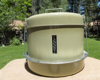 Vintage Avocado Green Aluminum Cake Cover/Pie Cover/Cupcake Cover - 3 Sections