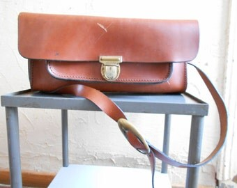 Vintage leather bag, French working tools satchel for craftman, leather strap bag, railway, plumber bag.