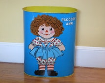Cute retro vintage 1972 Cheinco for the Bobb Merrill Co raggedy Ann & Andy tin litho metal waste bucket basket trash can pail