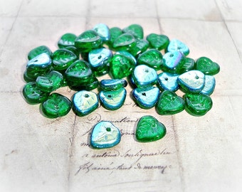 20 Emerald Green Heart Shaped Leaf Beads