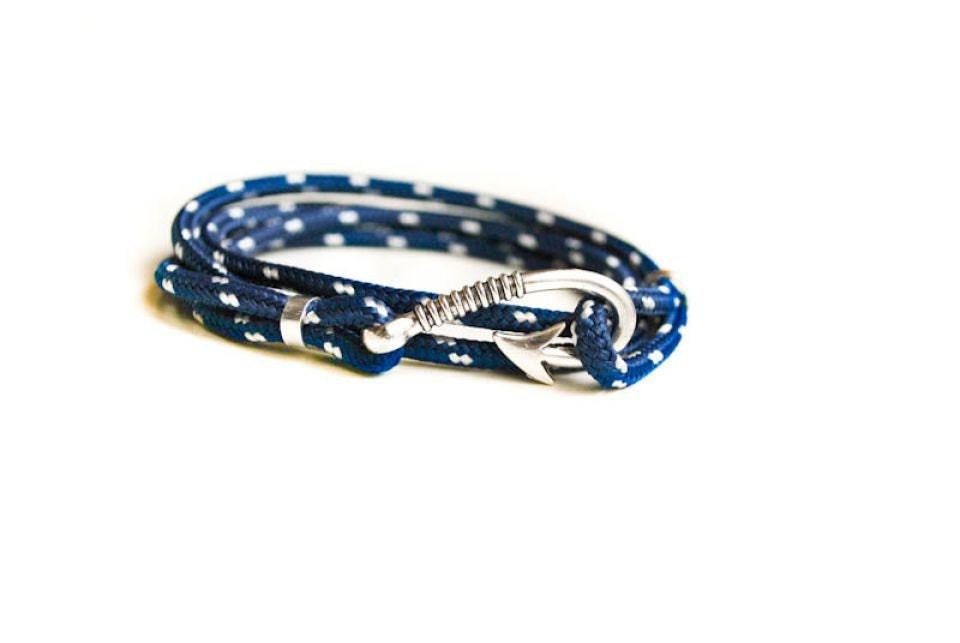 Blue fish hook mens paracord bracelet paracord anchor for Mens fishing bracelet