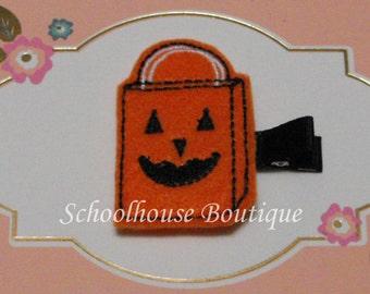 Pumpkin Trick or Treat Bag Felt Hair Clips with your choice of ribbon color,Felties,Feltie Hair Clip,Felt Hairbow,Felt Hair Clippie, Favor