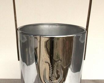 Barware, Silver Ice Bucket Vintage, Barware Vintage, Art Deco Barware, Metal Buckes, Vintage Ice Bucket, Industrial Decor, Champagne Bucket