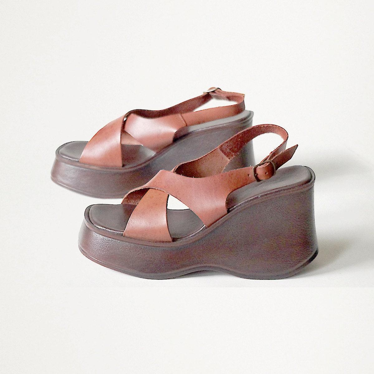 vintage platform sandals womens shoes 8 by cherryzovintage