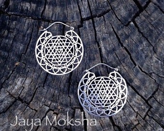 SALE! Silver Shri Yantra Lotus Earrings, Delicate Spiritual Mandala Sri Yantra Sacred Geometry Tantric Adornment - E202