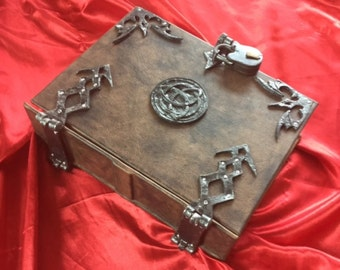"400/800 page ""Neith"" Leather Triquetra Spell book Grimoire Book of Shadows Journal Diary lock and key latch with hinges"