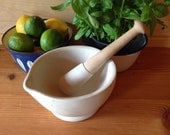 Vintage Apothecary Acid Proof Mortar and Pestle Made In England Size 3