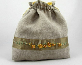 Hand embroidered drawstring pouch, embroidered linen pouch, linen drawstring bag, project bag, floral pouch