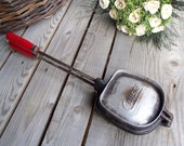 French Vintage Cuisor Waffle Iron - Cast Aluminium Panini Press - Shell Shaped - Sandwich Maker - Cuisor - Wooden Handle