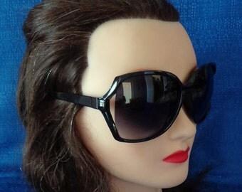 Ladies Retro Oversized Black Sunglasses