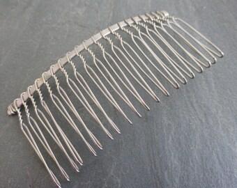 2 x Metal Hair Combs in Silver Tone Twists 77mm x 38mm, Craft Supplies, Hair Supplies, UK Seller (FFC5099)