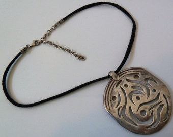 Vintage Jessica Elliot Sterling 925 Silver leather necklace w Rare Heavy Pendant
