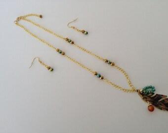 Gold Feather Pendant Necklace Set
