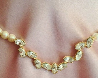 Pretty Marquise Clear Rhinestones & Faux Pearl Necklace
