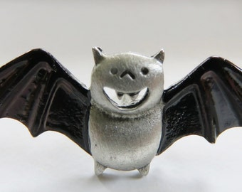 JJJonette Smiling Halloween Vintage Bat Pin