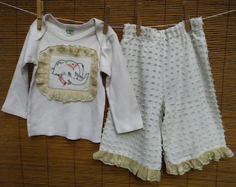 12 Months Girls Chenille Embroidery Outfit - Embroidered Elephant Baby Outfit - Vintage Embroidered 12 Months Girls Outfit - Vintage 12 Mths