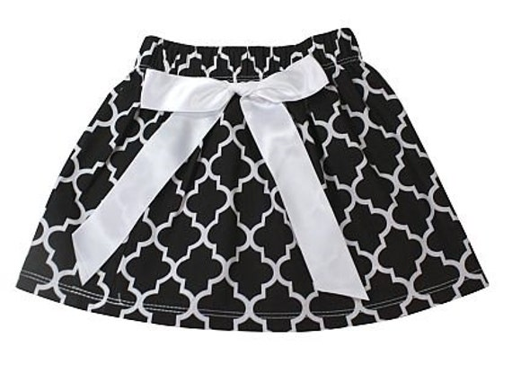 Black and white quaterfoil skirt with white bow, toddler skirt, toddler clothing, girls clothing, summer skirt, elastic waist