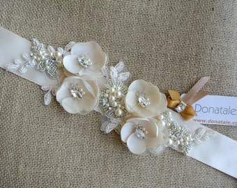 Bridal sash belt- Bridal sash - Bridal belt- Wedding sash belt-- Wedding sash- Champagne bridal  dress belt - Flower belt - BELINDA