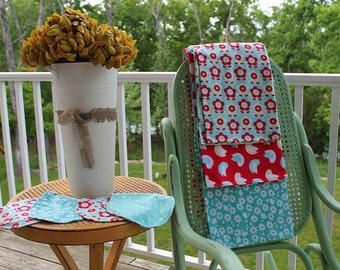 Set of 3 receiving blankets and coordinating burp cloths