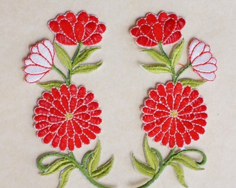 Red flowers applique set of 2