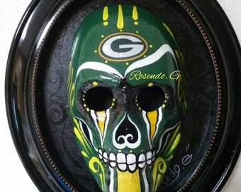 G packers skull face.