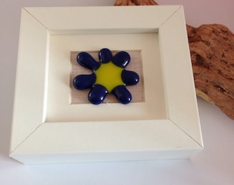 Fused glass blue flower mini picture