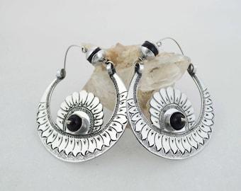 Ethnic lightweight jewelry
