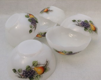 1970s Arcopal France set of 6 small bowls with sculpted rim fruit decor 10 cm