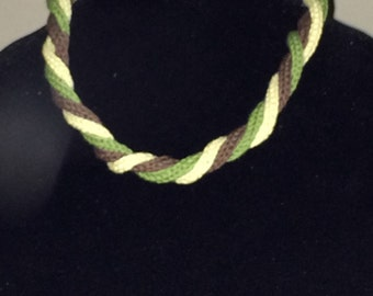 Twisted knit necklace