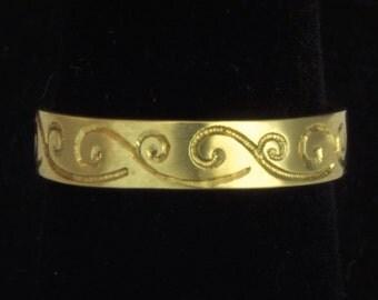 18K Engraved Band