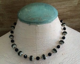 Beautiful Black and White Filigree Beaded Necklace