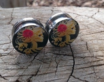 "Girl Skull Pinup Gauges rose in hair, Plugs sizes 5,6,8,10,12,14,16,18,20 MM / 3/16"" 1/4"" 1/3"" 3/8"" 1/2"" 9/16"" 5/8"" AA"