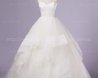Chic & Simple Wedding Dress Ethereal Tulle Bridal Gown Strapless Available in Plus Sizes W978