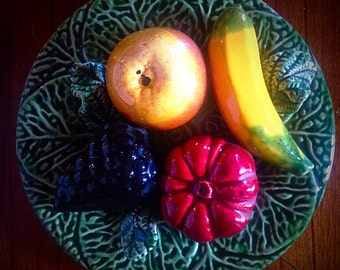 Free US/CDN Shipping! Mid-Century Majolica and fruit plate from Portugal-