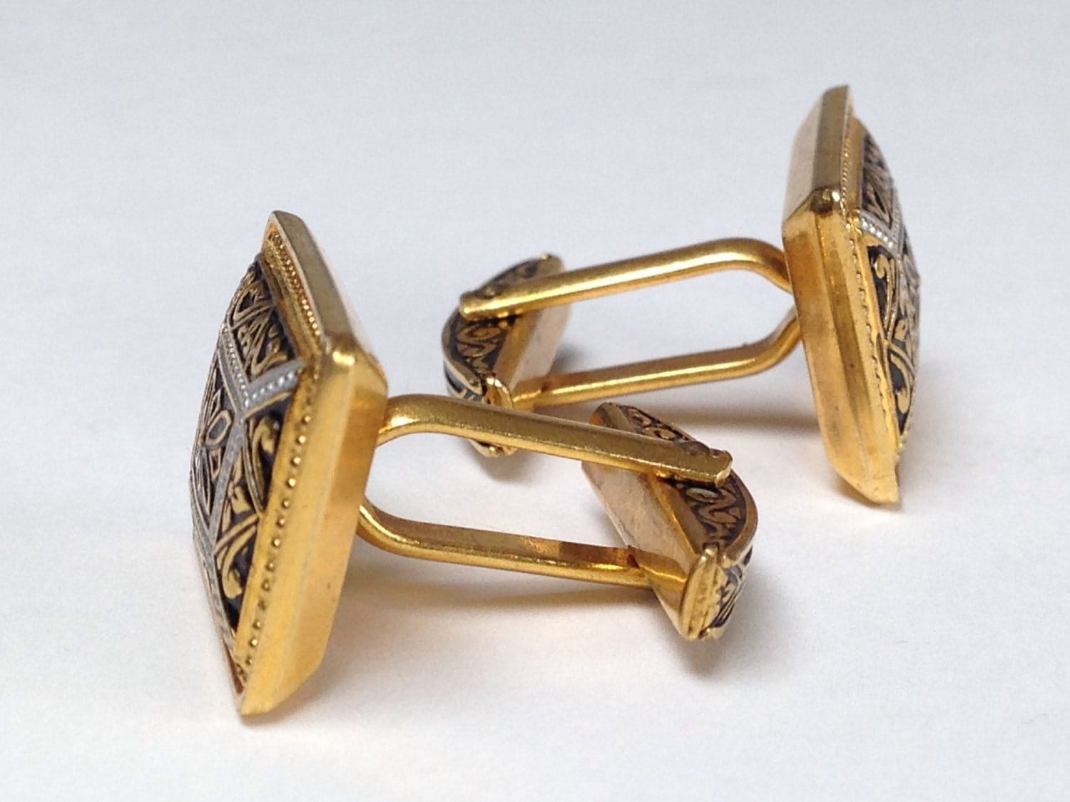 vintage men cufflinks art deco style gold and black by xclips. Black Bedroom Furniture Sets. Home Design Ideas