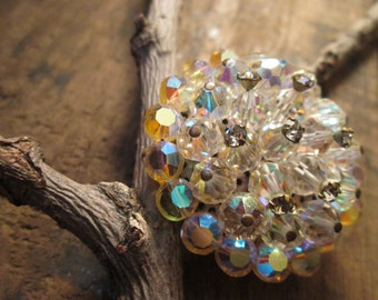 vintage silver tone crystal and clear round rhinestone brooch