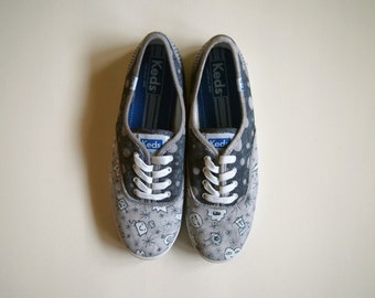Women's Size 8 Hand-Drawn Doodle Sneakers- Ked's- Gray, White, Sharpie, Doodles