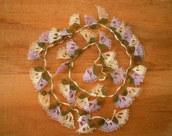 needle lace fanshapes, lilac white, 40 pieces