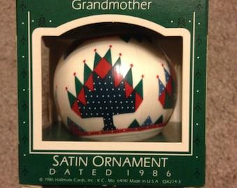 Vintage 1986 Grandmother Glass Hallmark Ornament in BOX