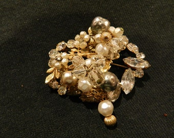 Beautiful BROOCH BY ROBERT