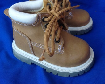 Kidconnection Baby Boy Size 2 Vintage Boots Lace Up